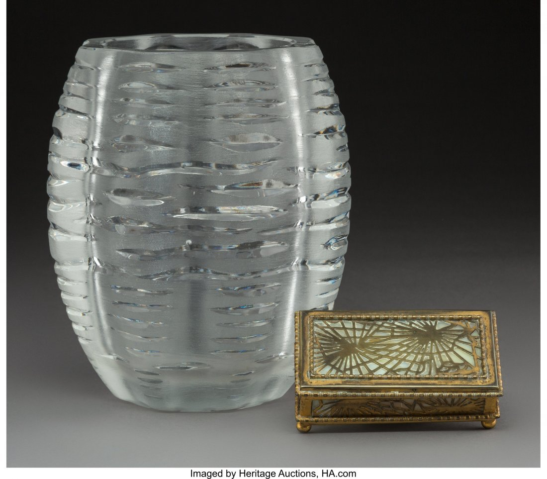 61696: A Lalique Clear and Frosted Glass Vase with Tiff - 2