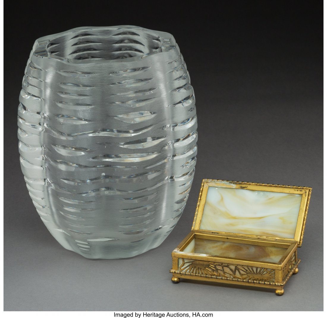 61696: A Lalique Clear and Frosted Glass Vase with Tiff - 3
