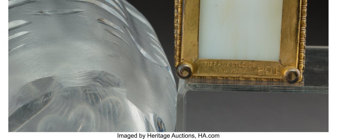 61696: A Lalique Clear and Frosted Glass Vase with Tiff - 4