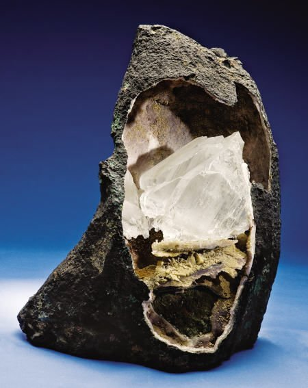 38012: GEODE WITH WATER CLEAR GYPSUM CRYSTALS