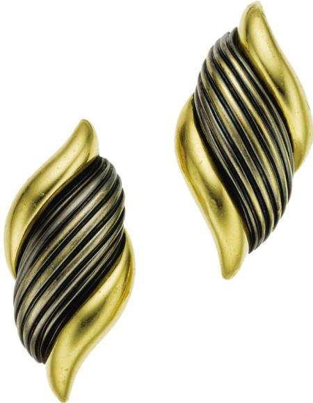46004: Enamel, Gold Earrings