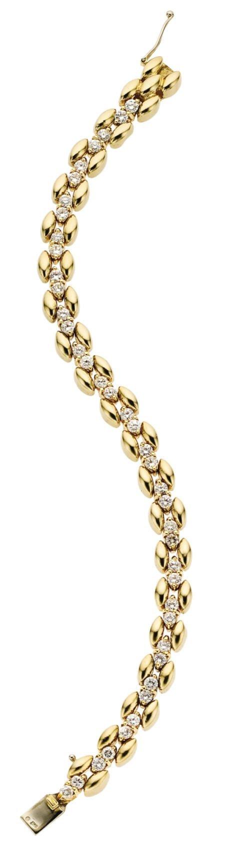 46015: Diamond, Gold Bracelet
