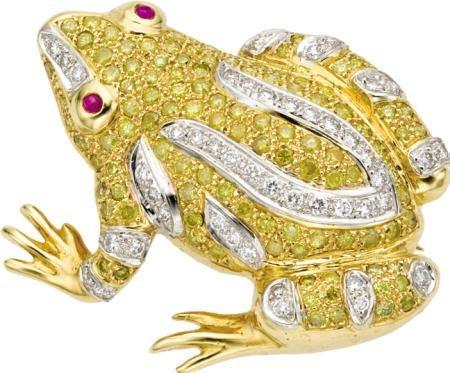 46024: Colored Diamond, Diamond Frog Brooch