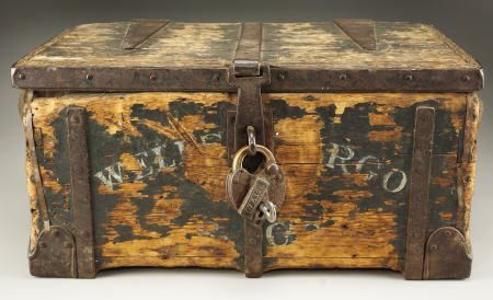 72002: Wells Fargo & Company Treasure Box