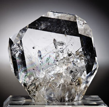 "53007: UNUSUAL HERKIMER QUARTZ ""DIAMOND"""