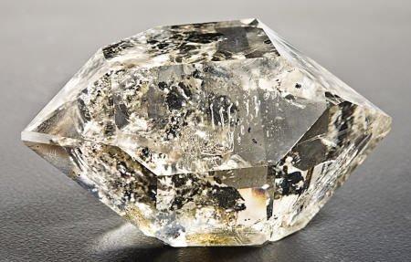 """53008: WATER-CLEAR QUARTZ """"DIAMOND"""""""