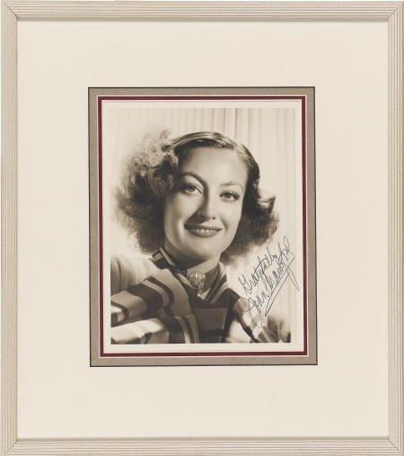 52018: Joan Crawford Signed Photo.