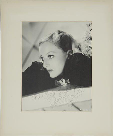 52022: Joan Crawford Signed Photo.