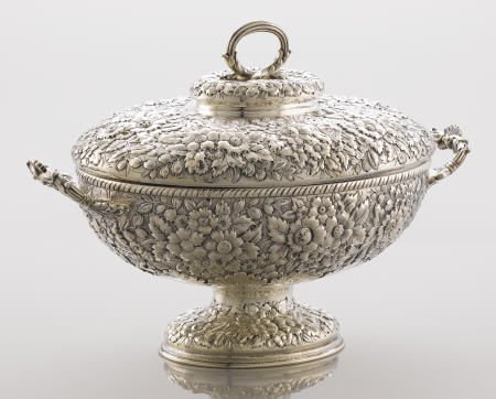 71015: A Tiffany & Co. Repoussé Soup Tureen