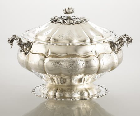 71108: An Italian Silver Soup Tureen with Cover
