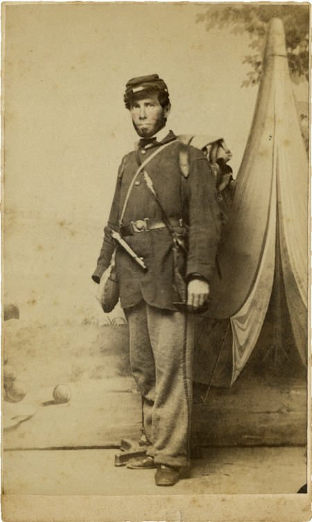57297: CDV Civil War Infantry Enlisted Man w/ Revolver