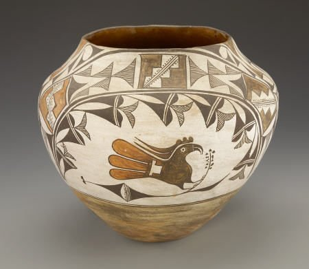 55012: AN ACOMA POLYCHROME JAR c. 1935  painted in oran