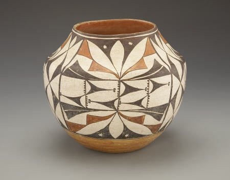 55014: AN ACOMA POLYCHROME JAR c. 1925  painted in oran