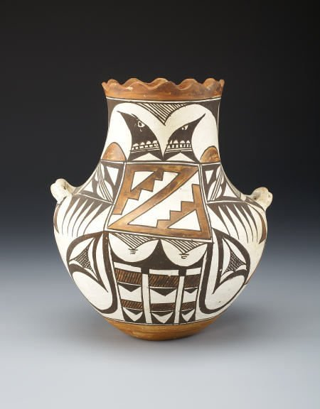 55015: AN ACOMA POLYCHROME JAR c. 1940  painted in oran