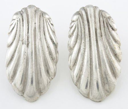 71019: A PAIR OF MEXICAN SILVER EARRINGS William Spratl
