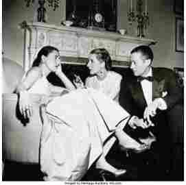 39006: Slim Aarons (American, 1916-2006) Park Avenue Pa
