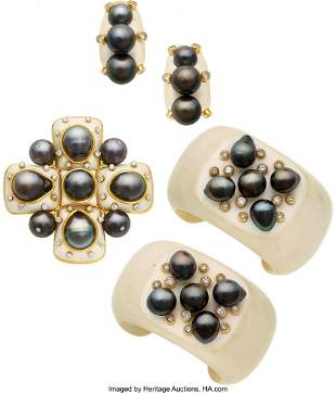 55157: South Sea Cultured Pearl, Diamond, White Agate,