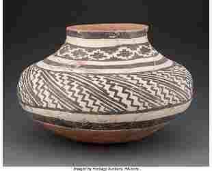 70071: A Gila Polychrome Storage Jar c. 1250 - 1450 AD