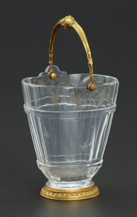 71001: A FRENCH ROCK CRYSTAL BUCKET WITH GOLD MOUNTS Ma