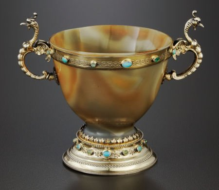 71024: A GERMAN AGATE AND SILVER GILT TWO-HANDLED CUP B
