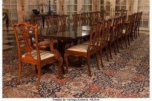 61014: An English Sheraton-Style Pedestal Dining Table