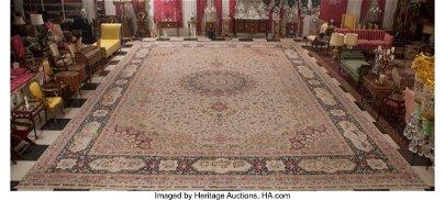 61081: A Tabriz Rug, 20th century 333 x 194 inches (845