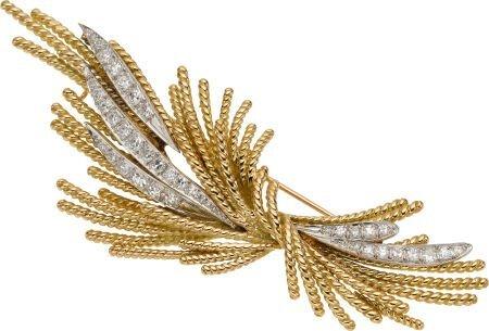 59253: Diamond, Gold Brooch