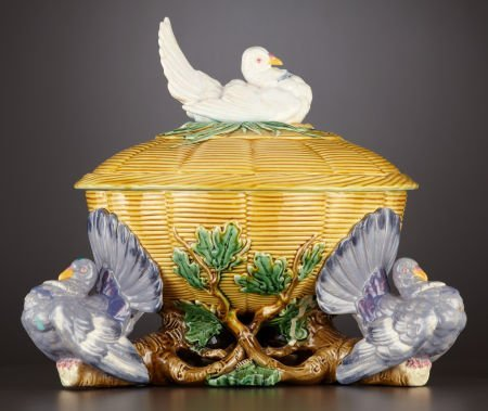 69003: A VICTORIAN MAJOLICA TUREEN AND COVER  Minton, S