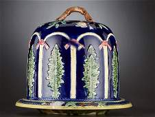 69024 A VICTORIAN MAJOLICA CHEESE STAND AND COVER  Sta