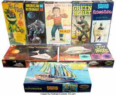 89055: Vintage Set of (8) Aurora Model Kits from Spaces