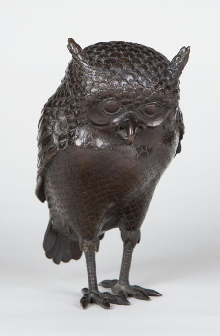 66013: A JAPANESE PATINATED BRONZE OWL-FORM BOTTLE AND