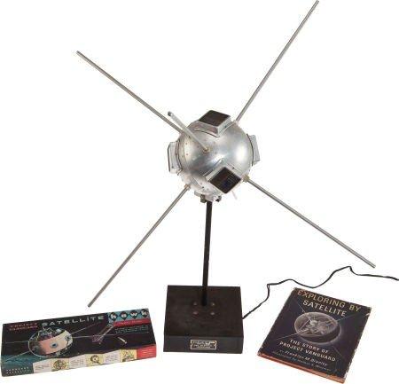 41002: Vanguard 1 Original Full-Size Model with Custom