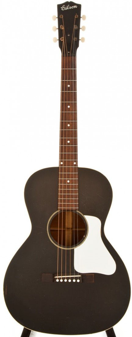 54012: 1930-34 Gibson L-00 Black Acoustic Guitar, #190.
