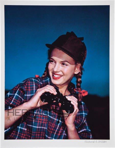 46015: Marilyn Monroe Norma Jeane with Binoculars Limit