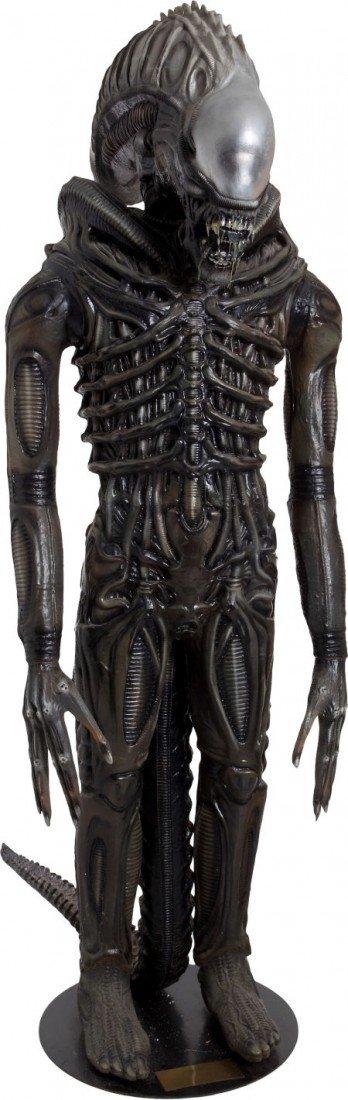 46021: Aliens Life-Size Xenomorph Reproduction.