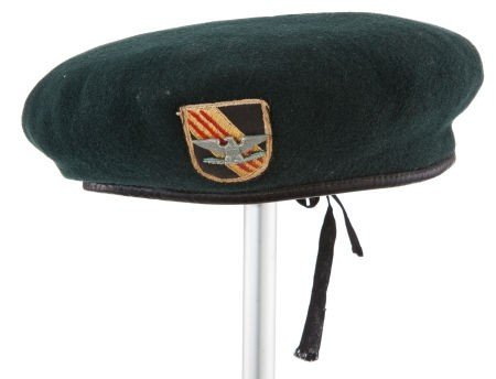 """44011: A beret from """"The Green Berets."""""""