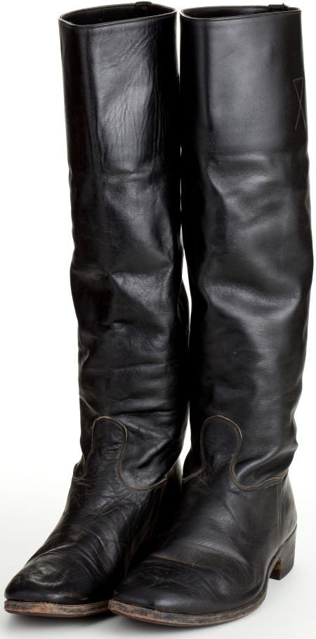 """44023: A Pair of Cavalry Riding Boots from """"The Undefea"""