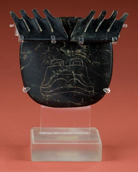 50325: Olmec Ceremonial Snuff Tray with a Supernatural