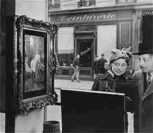 74013: ROBERT DOISNEAU (French, 1912-1994) Un Regard Ob