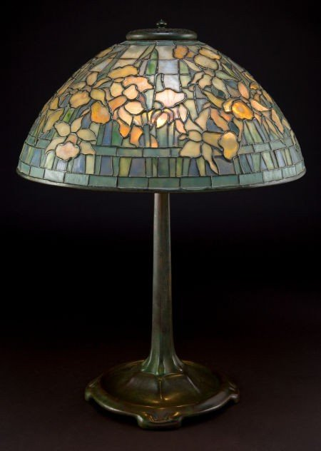 62001: TIFFANY STUDIOS DAFFODIL TABLE LAMP  Bronze stic