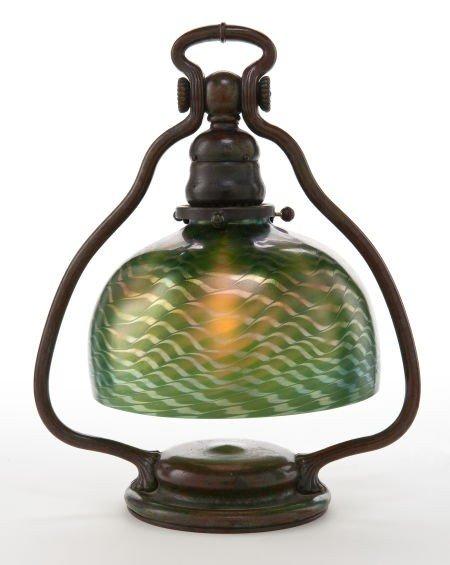 62004: TIFFANY STUDIOS BRONZE DESK LAMP WITH DAMASCENE