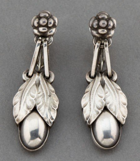 68316: A PAIR OF GEORG JENSEN SILVER EARRINGS  Georg Je
