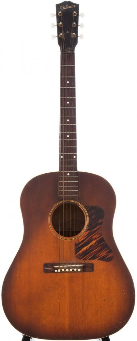 54015: Late 1930s Gibson J-35 Sunburst Acoustic Guitar.