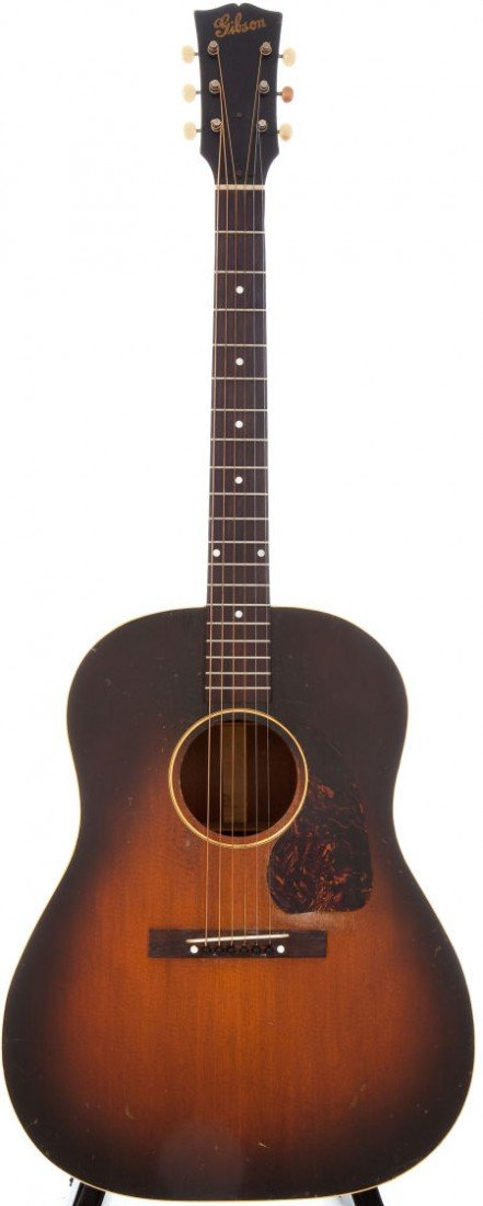 54022: 1947 Gibson J-45 Sunburst Acoustic Guitar.