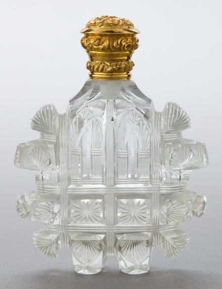 68037:  A DUTCH CUT GLASS AND 18K GOLD PERFUME FLASK Ma