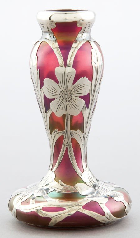 68068: AN AMERICAN GLASS VASE WITH ALVIN SILVER OVERLAY
