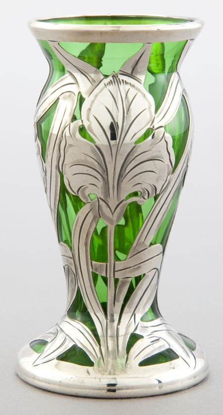 68069: AN AMERICAN GLASS VASE WITH ALVIN SILVER OVERLAY