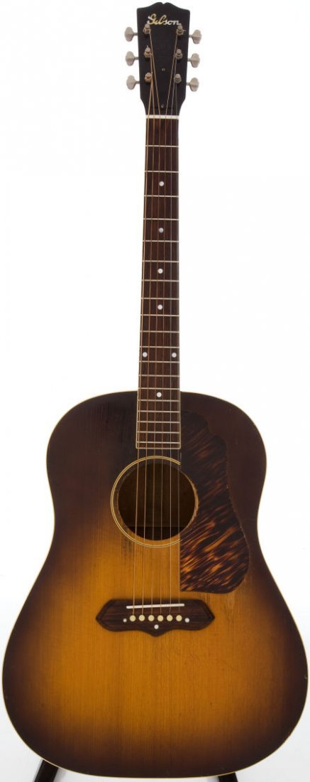 54014: 1941 Gibson J-55 Sunburst Acoustic Guitar, Seria