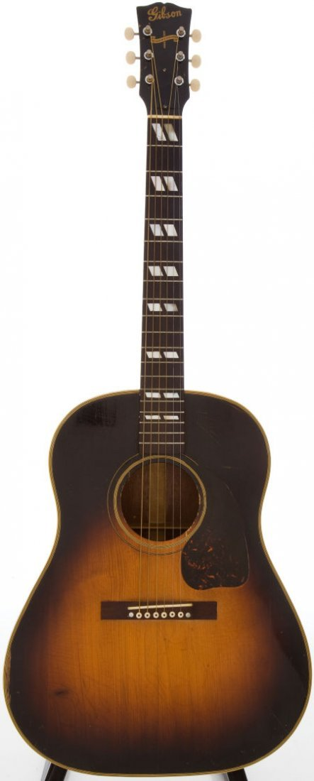 54015: Early 1940s Gibson SJ Sunburst Acoustic Guitar,