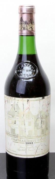 6: Chateau Haut Brion 1982  Pessac-Leognan 3.3cm, bsl,